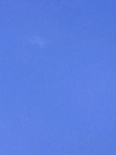突き抜けるような青空